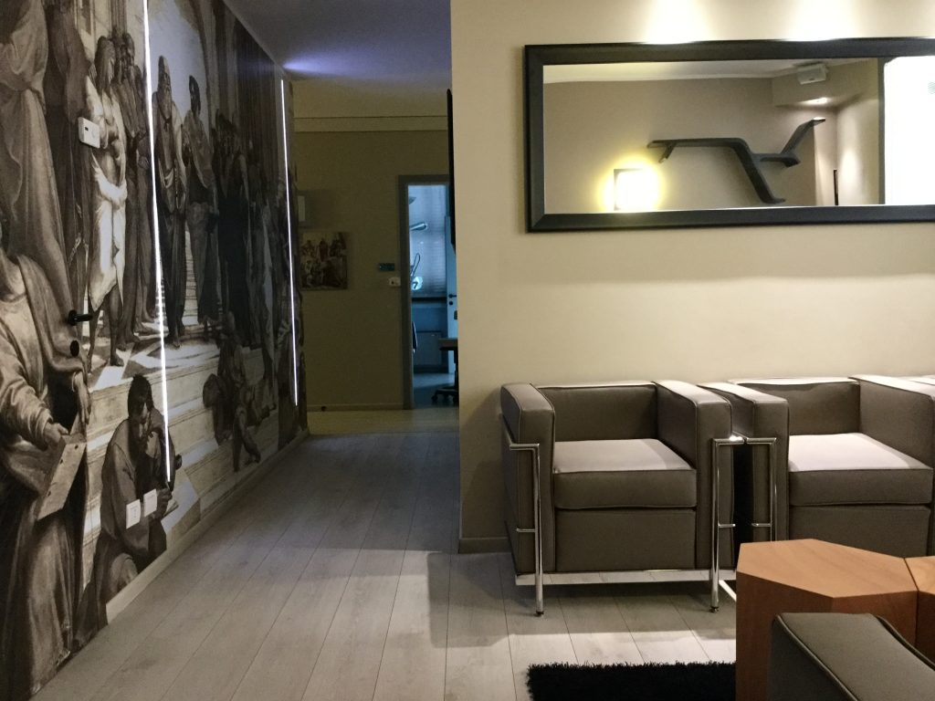 concept e design sala d attesa studio dentistico viadana
